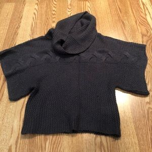Cowl neck sweater with loose arms